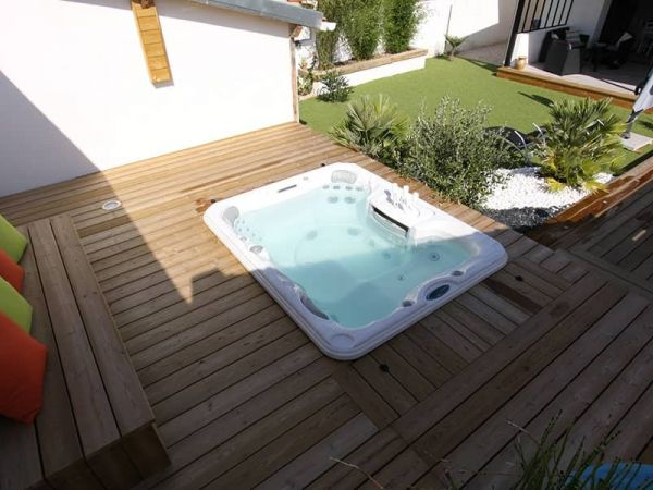 sundance-hot-tub-installation-backyard-deck-Amherst