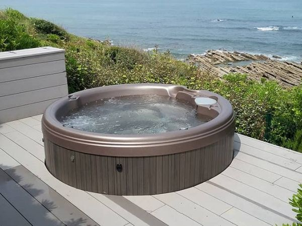 sundance-hot-tub-installation-lake-Amherst
