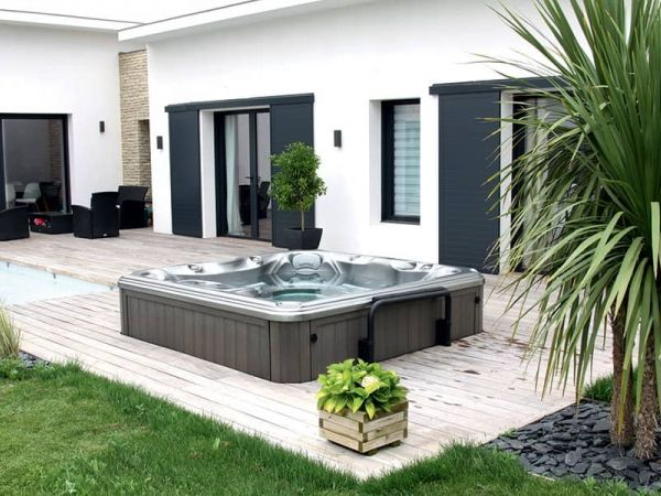 sundance-hot-tub-installation-modern-deck-Amherst
